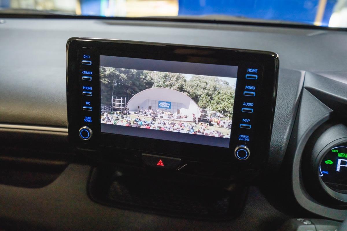 テレビ ディスプレイ オーディオ ディスプレイオーディオ付き車専用TVキットが登場