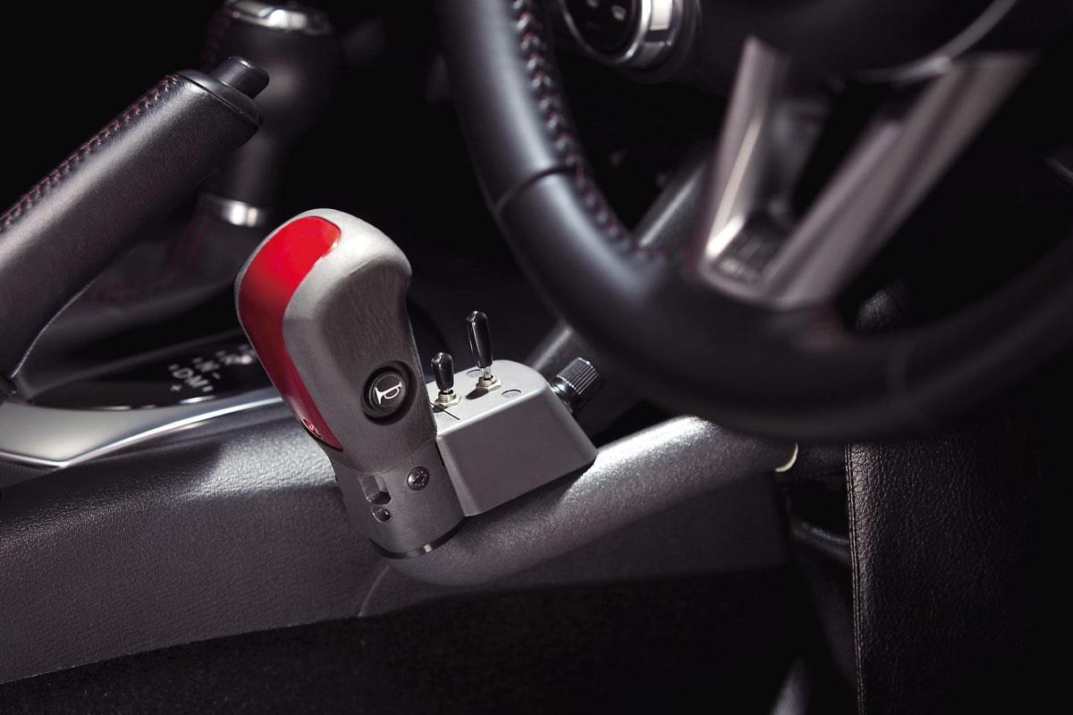 ロードスター手動運転装置付き車